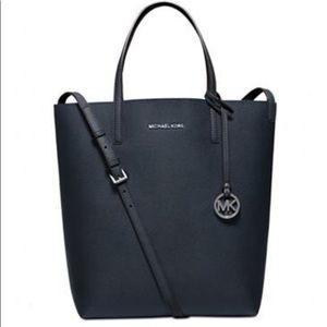 Micheal Kors Hayley large tote navy blue
